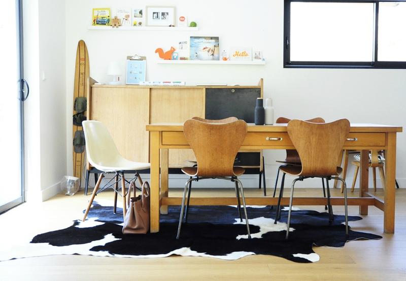 j 39 ai essay des peaux de b te dans mon salon et dans ma salle manger. Black Bedroom Furniture Sets. Home Design Ideas