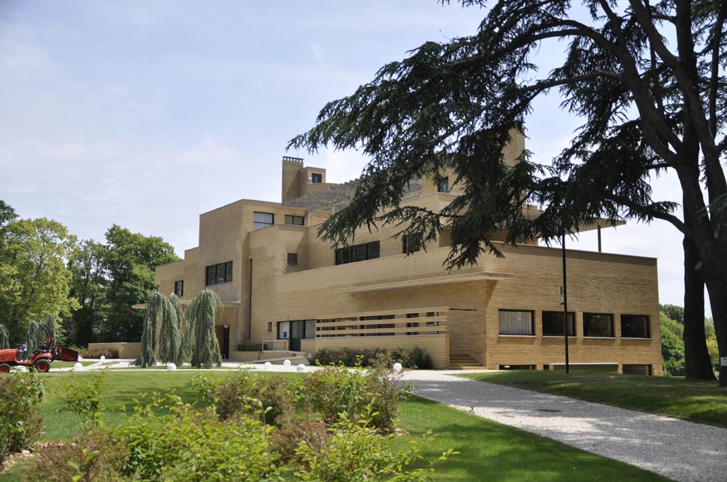 villa-cavrois-exterieur