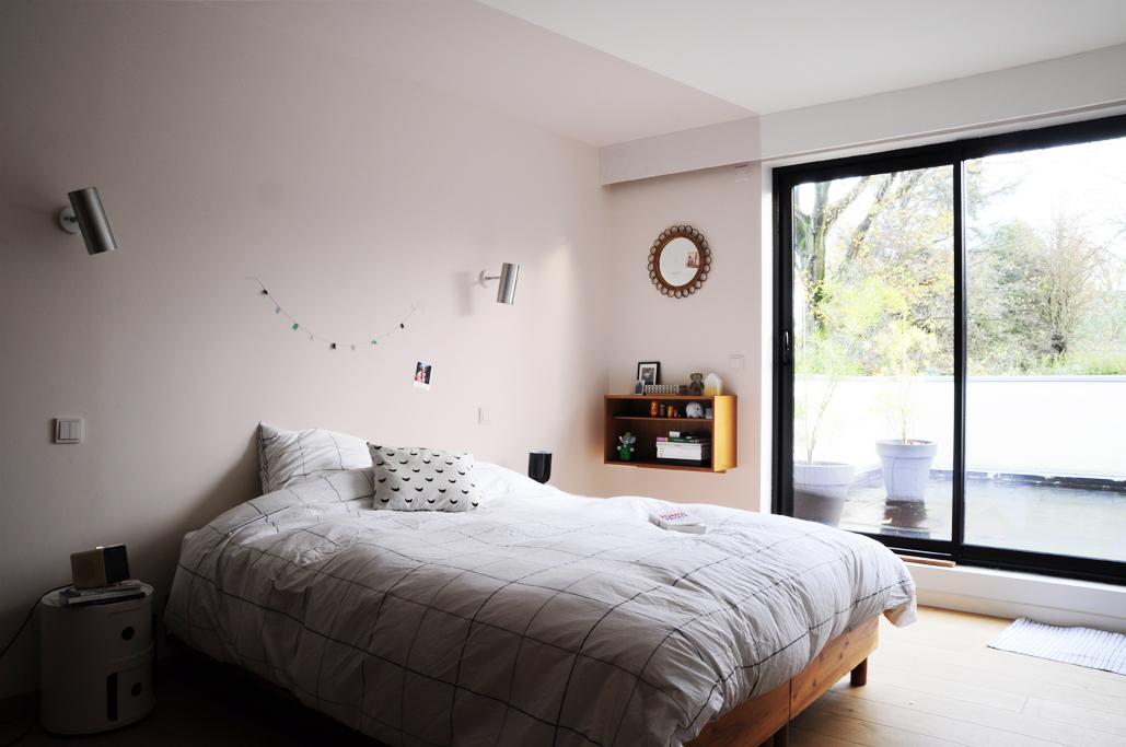 chambre-blanche-deco-rose