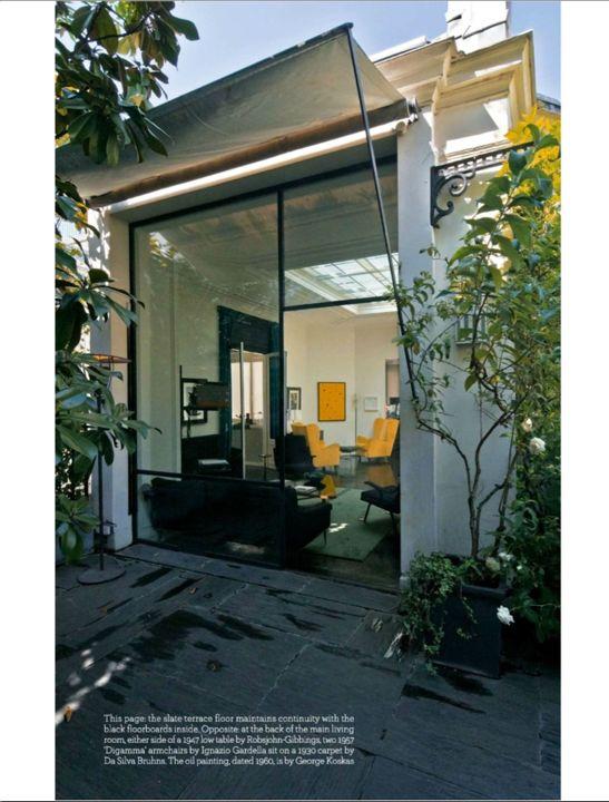 a l 39 ombre d 39 un store banne. Black Bedroom Furniture Sets. Home Design Ideas