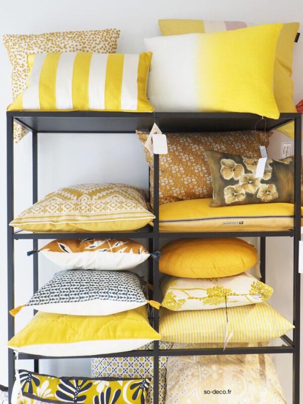 tous les coussins tendance sont chez. Black Bedroom Furniture Sets. Home Design Ideas