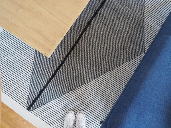 tapis-noir-et-blanc-la-redoute